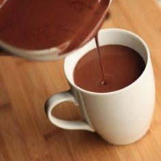 Atención, vas a babear con esta receta de chocolate caliente 100% saludable.