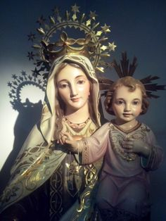 Our Lady of Mount Carmel Jesus Mother, Blessed Mother Mary, Blessed Virgin Mary, Mom Prayers, Novena Prayers, Madonna, Catholic Beliefs, Catholic Saints, Hail Holy Queen