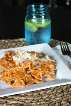 CROCKPOT · 1 ½ lbs. cooked ground turkey or beef · 1 large jar of natural pasta sauce (any flavor works!) · 2c of low-fat cottage cheese · 1...