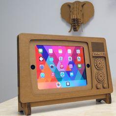 レトロでかわいいiPadスタンド「サファリ TV iPad スタンド」 | 海外・国内のおしゃれなモノ・アイデアを集めるサイト「Q ration(キューレーション) 」