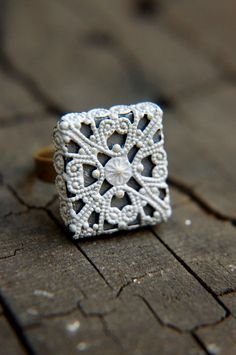 Two-Toned Light Grey and Charcoal Filigree Adjustable Ring - Earl Grey.