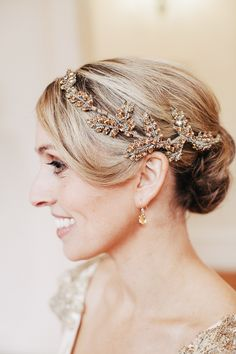 Johanna Johnson bridal hair accessory // photo by Louisa Bailey