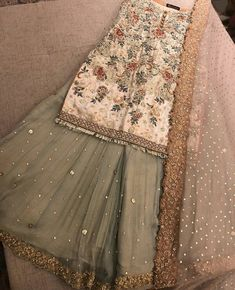 Pakistani dress/ partywear/ desi dresses/ indian dress Beautiful 3 piece kameez with pallazzo style pants. Pakistani Wedding Outfits, Pakistani Wedding Dresses, Pakistani Dress Design, Bridal Outfits, Indian Dresses, Indian Outfits, Pakistani Party Wear, Emo Outfits, Maria B