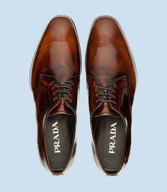 93829dfe1050 Chaussures Prada, justes magnifiques ! Chaussures Prada, Chaussures De  Ville, Chaussures Pour Hommes