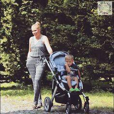 thanks @mamawozibardziej  #abcdesign #thinkbaby #mambamoments #park #walking #child #mother #mom #mommy #fashion #style #grey_melange #melange #fabric #abcdesign_mamba #mamba #instagood #photooftheday #family