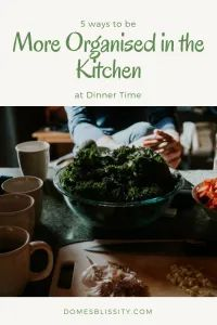 5 ways to be more organised in the kitchen at dinner time - Domesblissity Baked Jacket Potatoes, Baked Beans On Toast, Burger Night, Marinate Meat, Organising Ideas, Warm Salad, Baked Pumpkin, Handy Tips, Evening Meals