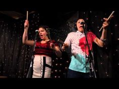 tUnE-yArDs - Water Fountain (Live on KEXP) - This just makes me so happy!
