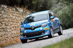 Renault Twingo at Rally Due Valli, Italy - EVO Corse wheels - SanremoCorse Wheel is the successful range of wheels realized for being used on tarmac. #evocorse #wheel #sanremo #rally #car #rallycar #renault #twingo #blu #tarmac #highperformances