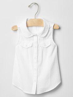 Peter Pan collar sleeveless shirt