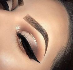 "white-luxury-x: ""Luxury&Makeup? "" - Make Up 2019 Flawless Makeup, Glam Makeup, Skin Makeup, Makeup Inspo, Eyeshadow Makeup, Eyeliner, Glowy Skin, Makeup Inspiration, Makeup Brushes"