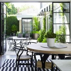 Link Love: Black and White Terrace Inspiration - Yahoo! Homes
