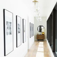 Now *that's* how you create a hallway with an impact. Top marks @studiomcgee #TLEInteriors