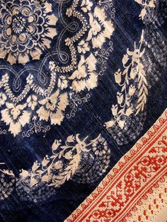 Indigo:Traditional blue-dye indigo-dyed fabric from Nagynyarad, Hungary | Photographed by Venetia 27 (Flickr)