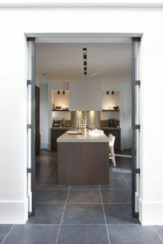 Piet Boon - deur amsterdam london als schuifdeur - Bod'or. Zo wil ik het in de hal/keuken.