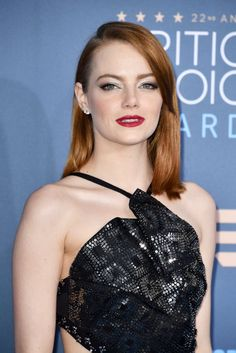 Emma Stone attends The 22nd Annual Critics' Choice Awards at Barker Hangar on December 11, 2016 in Santa Monica, California.