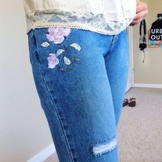 Bootcut Floral Distressed Jeans Measured lying flat  Waist: 15.5 inches  Length: 41 inches       Let me know if you have any questions! ✖️💠 Vintage Jeans Boot Cut