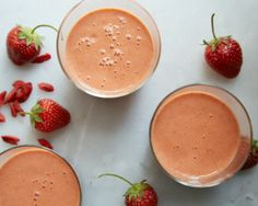 goji + strawberry smoothie via Coconut & Quinoa