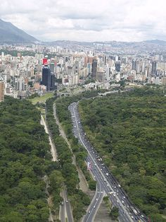 urban growth boundaries facilitate vibrant, cohesive cities while protecting natural space & forests surrounding | The Earth Is Full | Caracas, Venezuela | #paradigmshift