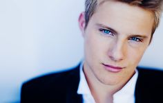 A is for Alexander Ludwig. Alexander is known for his casting in the Hunger Games as Cato. His piercing blue eyes and amazing blonde hair makes him an A-mazing choice for letter A. Alexander Ludwig, Dreamworks, Mythos Academy, Jack Y Elsa, Kerr Smith, Vancouver, Hunger Games Movies, Dane Dehaan, Nerd