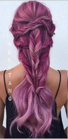 This mermaid-ish braid is ridiculously beautiful. Its filled with intricate details yet look simple enough. If you love braids then this hairstyle is for you!