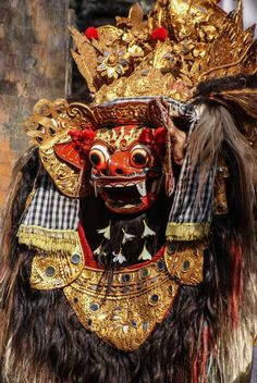 Barong dance in Bali, costumes and masks