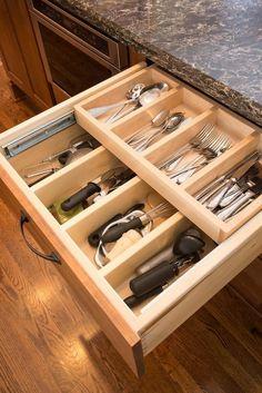 Showplace Cabinets │Pierce Flooring & Cabinet Design Center