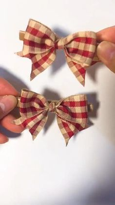 Amazing beautiful hair pins for gal. Simple and easy to make at home. # Gift Ideas videos DIY Fantastic Hair Accessories-Cute Bowknot Hair Pins for Kids Diy Crafts Hacks, Diy Crafts For Gifts, Diy Ribbon, Ribbon Crafts, Ribbon Flower, Ribbon Bows, Diy Couture, Diy Hair Bows, Diy Hair Clips