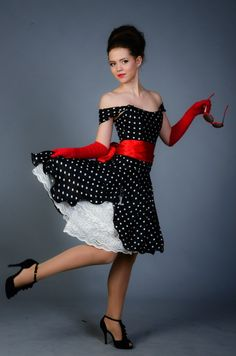Rockabilly Outfits, Rockabilly Fashion, Sexy Dresses, Short Dresses, Estilo Pin Up, Vintage Outfits, Vintage Fashion, Contemporary Fashion, Skirt Outfits