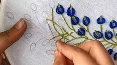 Hand Embroidery: embroidery design with lazy daisy stitch. - - Hand Embroidery: embroidery design with lazy daisy stitch. Hand Embroidery Projects, Hand Embroidery Videos, Hand Embroidery Flowers, Hand Embroidery Tutorial, Flower Embroidery Designs, Learn Embroidery, Hand Embroidery Stitches, Embroidery Techniques, Ribbon Embroidery