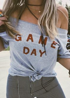 Tailgating outfit by game day tee off shoulder style Preppy Outfits, Mom Outfits, College Outfits, Outfits For Teens, Cute Outfits, Fashion Outfits, Game Day Outfits, Fasion, Fashion Trends