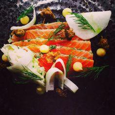 @jonnyhmillsm - Salmon gravadlax, pickled turnip and remoulade, dill oil, lemon purée, crispy capers #FeedYourEyes July/Aug