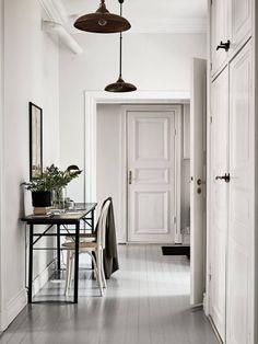 Home Design Ideas Home Interior Design, Interior Architecture, Interior And Exterior, Beautiful Architecture, Hallway Inspiration, Interior Inspiration, Hallway Decorating, Interior Decorating, White Houses