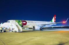 Comparateur de voyages http://www.hotels-live.com : Este Embraer 190 chegou ontem ao Aeroporto de Lisboa e já posou para a nossa objetiva. Digam Olá! a mais um membro da nossa frota TAP express! :) // This Embraer 190 arrived yesterday at Lisbon Airport and has already posed for our camera. Say Hi! to another aircraft of our TAP express fleet! :) #tapportugal #staralliance Hotels-live.com via https://www.instagram.com/p/BCu0T7HpD66/ #Flickr via Hotels-live.com…
