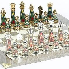 Sofisticato Chessmen from Italy & Greenwich Board from Spain