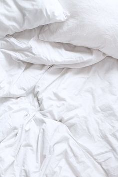 Iphone Wallpaper - White sheets iPhone wallpaper - Iphone and Android Walpaper White Bed Sheets, White Bedding, Pink Wallpaper Iphone, White Wallpaper, Iphone Wallpapers, Cool Lock Screens, White Aesthetic, Rainbow Aesthetic, Lock Screen Wallpaper