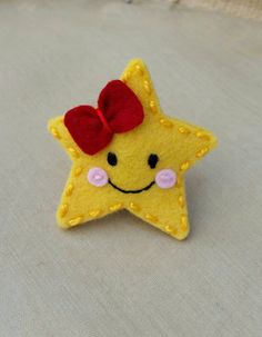 Check out this item in my Etsy shop https://www.etsy.com/listing/232273849/twinkle-little-star-wool-felt-snap-hair