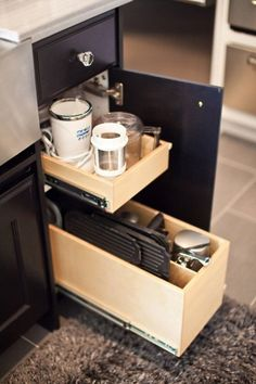 Side Drawer/Narrow Cabinet from Gliding Shelf Solutions Inc. which helps you 'Live Life Within Reach'. Kitchen Redo, Kitchen Pantry, Kitchen And Bath, New Kitchen, Kitchen Remodel, Kitchen Appliances, Kitchen Dining, Bath Trends, Home Trends