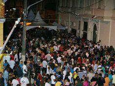 A loja de instrumentos musicais Contemporânea, histórico ponto de encontro musical no centro de São Paulo, recebe todo sábado uma roda de choro, e uma vez por mês o Samba de Vitrine. Sempre com entrada Catraca Livre, todos estão convidados a curtir um som.