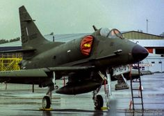A4K Skyhawk ex RNZAF in Christchurch 2000 Military Jets, Military Aircraft, Mcdonald Douglas, Work Horses, Aircraft Photos, Jet Engine, Armada, United States Navy, Commonwealth