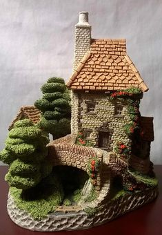 Toll Keepers Cottage By David Winter, Hand Made & Painted-Quality Craftsmanship! Clay Fairies, How To Make Paint, Paperclay, Miniature Houses, Fairy Houses, Christmas Carol, David, Cottage, Crafty