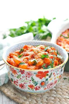 Dump and Bake Chicken Gnocchi. Just stir together all of the ingredients and you'll have a delicious Dump-and-Bake Chicken Marinara Gnocchi in about 30 minutes! Baked Gnocchi, Chicken Gnocchi, Gnocchi Recipes, Baked Chicken Marinara, Chicken Meals, Skinny Chicken Parmesan, Chicken Recipes For Kids, Turkey Recipes, Fast Dinner Recipes