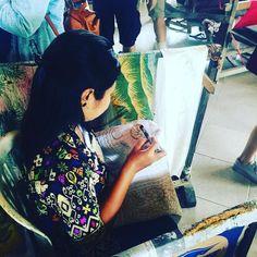 #sariamerta #bali #indonesia #woman #painting #knittedbymachomen #kikospelomundo