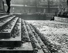 Vert Galant on a Fall Afternoon, Paris by André Kertész (Metropolitan Museum of Art, New York, NY, USA) Andre Kertesz, Budapest, Mondrian, Old Photography, Street Photography, Stunning Photography, Hans Thoma, The Magnificent Seven, Moving To Paris