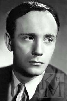 Леони́д Вячесла́вович Куравлёв (род. 8 октября 1936, Москва, СССР) — советский и российский актёр театра и кино. Заслуженный артист РСФСР (1965), Народный артист РСФСР (1976).