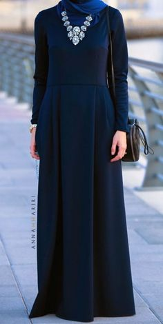 Modest long sleeve maxi dress full length stylish trendy fashion   Mode-sty