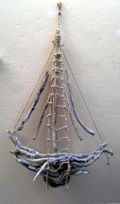 Επίτοιχο καράβι με θαλασσόξυλα, σχοινιά και άλλα διακοσμητικά στοιχεία διαστάσεις 66Χ110cm