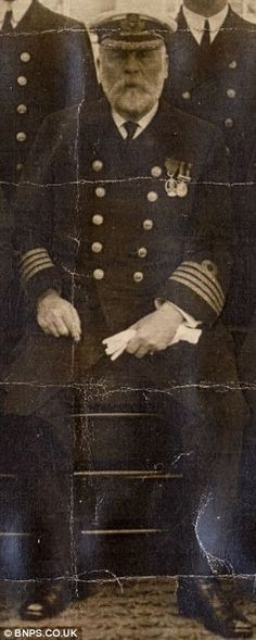 Brave Captain Smith went down with the Titanic. He was last seen sipping hot tea. He had been planning on retiring after the Titanic made it to the U. Naufrágio Do Titanic, Titanic History, Titanic Sinking, Belfast, Foto Real, Modern History, History Images, Interesting History, World History