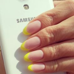nails french summer yellow