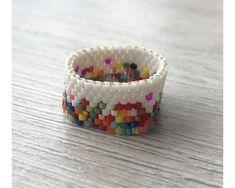 Diy Jewelry Rings, Beaded Rings, Beaded Jewelry, Handmade Jewelry, Seed Bead Projects, Beading Projects, Bead Embroidery Jewelry, Beaded Embroidery, Weaving