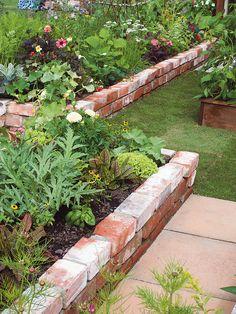 Garden Planters, Garden Beds, Brick Garden Edging, Seaside Garden, Recycled Garden, Vegetable Garden Design, Garden Planning, Garden Projects, Garden Inspiration